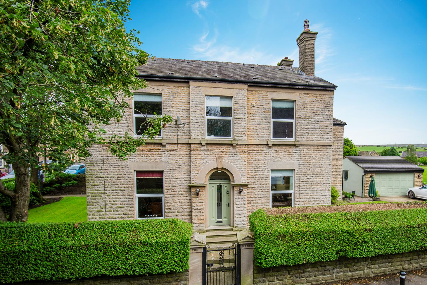 4 bedroom detached house Sale Agreed in Bolton - DSC_1194 S.png.